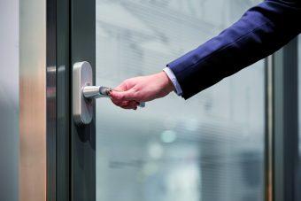Mano de apertura: ¿cómo abrimos la puerta?