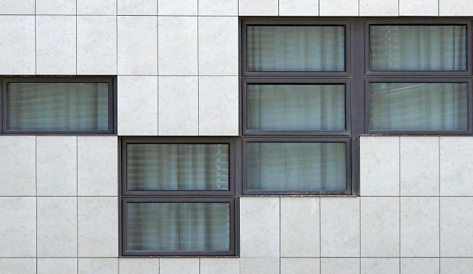 Ahorrar energía mediante el marco de la ventana